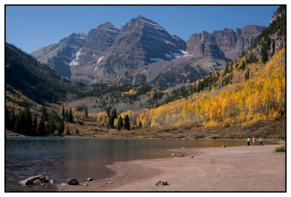 The Maroon Bells and Maroon Lake in fall color outside Aspen, Colorado